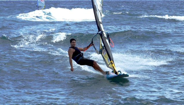 Kurosh Kiani windsurfing relaxed